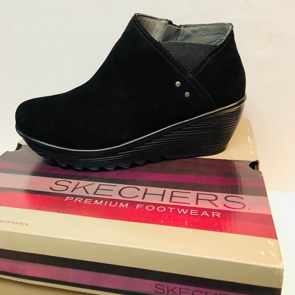 Skechers Shoes - Sketchers 9.5W Ditto Suede Ankle Boot Air Cooled
